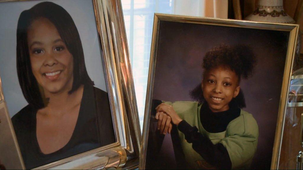 Phojoe Mon Daughter Framed Photos